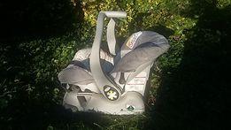 Fotelik nosidełko dla niemowlaka