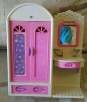 Игрушечная мебель для Барби гардероб и туалетный столик с зеркалом