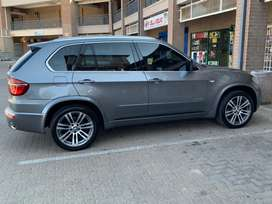 Super Clean 2011 BMW X5 xDRIVE35i A/T for SALE