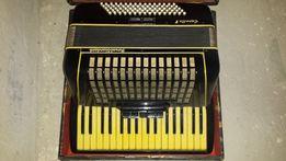 Akordeon Royal Standard Capella V