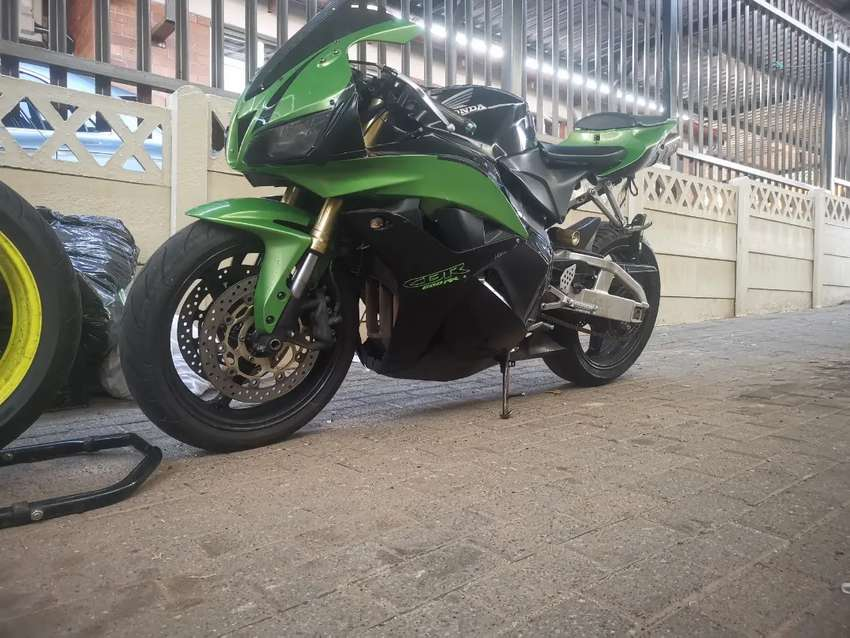 Honda cbr 600 rr 2003 repost due to wasters of time 0