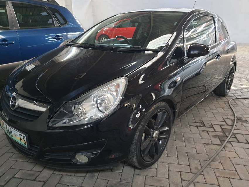 /2014 Opel Corsa 1.4i Sport 3dr-Only 139500km-Sunroof-R129900 0