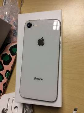iPhone 8 64gb comes with earphones and the cable still in the good con
