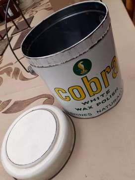 Cobra polish tin