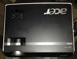 ACER PROJECTOR with hdmi