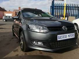 2013 Volkswagen polo 6 1.4 with a sunroof