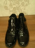 Ботинки деми черные натуральная лакированная кожа RESPECT