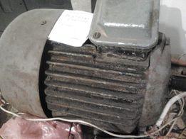 Асинхронный ЭлектроДвигатель 5.5 кВт / 3000 Оборотов / 220/380В