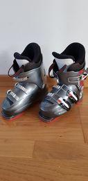 Buty narciarskie Rossignol dla dziecka.
