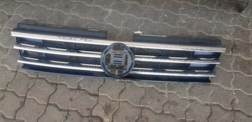 VW TIGUAN GRILL  AVAILABLE