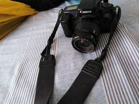Canon EOS 1000f vintage camera. It's kinda old, like 10 years old