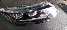 Nissan Qashqai right side head light for sale