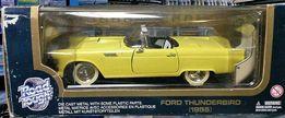 модель автомобиля Ford Thunderbird 1955 в 1:18