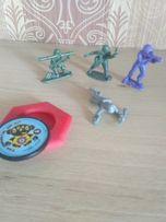 Солдатики. игрушки маленькие
