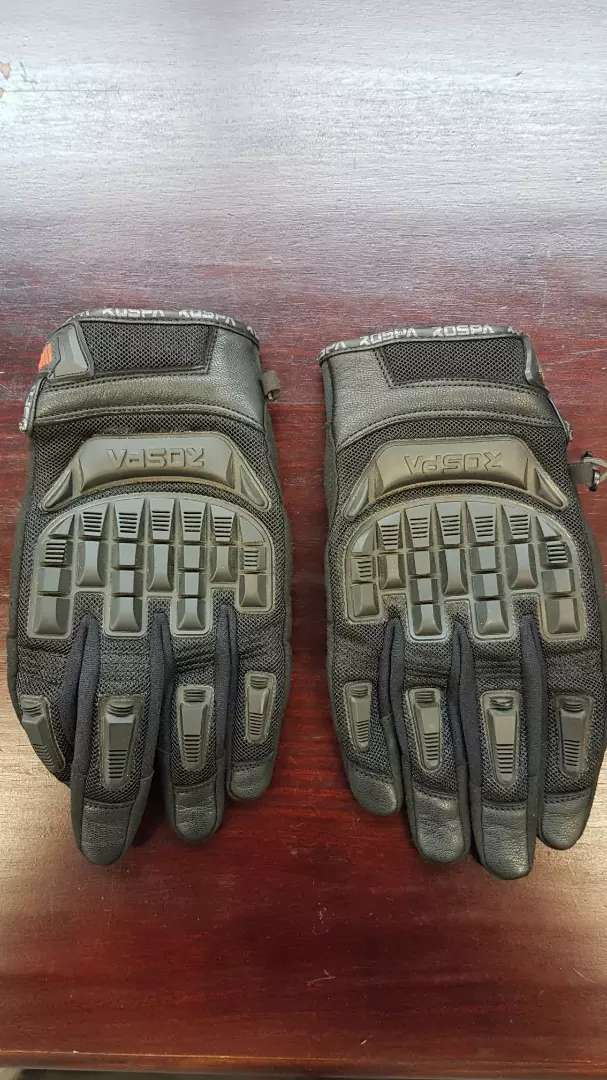 Motorcycle gloves 0