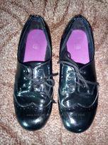 Туфли лаковые CLARKS. Стелька 21 см.