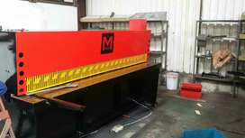 Hydraulic guillotines .