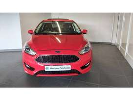 2017 FORD FOCUS 1.0 ECOBOOST TREND 5-DOOR R 189 900