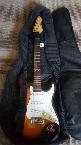 Sanchez electric guitar in great condition