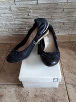 Skórzane buty baleriny na koturnie r.39