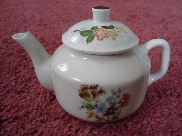 Чайник, тарелка и чашка , фарфор!