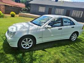2005 Mercedes Benz c180 sedan manual with low mileage for sale