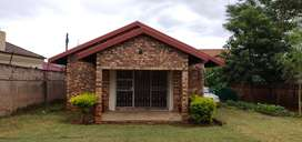 2 Bedroom house available in the heart of White River.