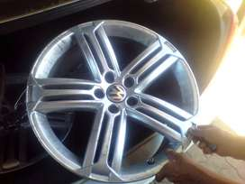 Golf 6 R-line mags only R7000. 19inch without tyres