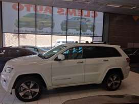 Jeep Grandcherokee 4x4 white in color 2016 model