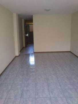 BIG BEDROOM IN ARCADIA TO LET FOR R2, 500/MONTH (VENI BUILDING)