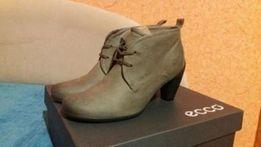 Новые ботинки ecco