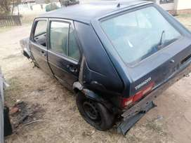 VW GOLF TENACITI STRIPPING FOR SPARES