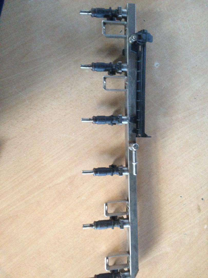 BMW E90 325i N52 injectors for sale 0