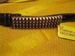 черный лаковый узкий женский пояс ремень пряжка шипы золотого цвета