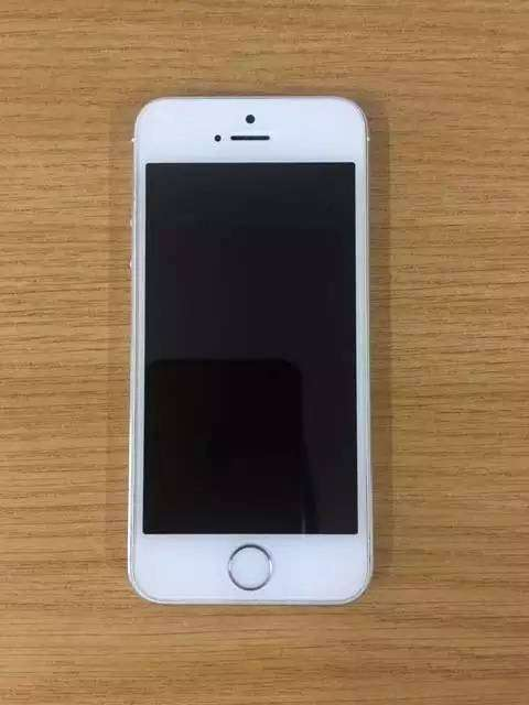 iphone 5s for spare for R500 0