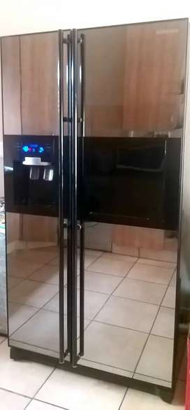 RS21HFLMR 524L Auto Water & Ice Dispenser Side By Side Refrigerator