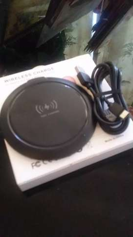 TRUE WIRELESS FAST CHARGERS FOR ALL IPHONES AND ANDROID PHONES / NEW