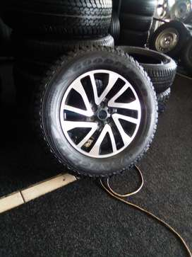 "18"" new Nissan Navara mag with used tyre to use for spare for R1900"