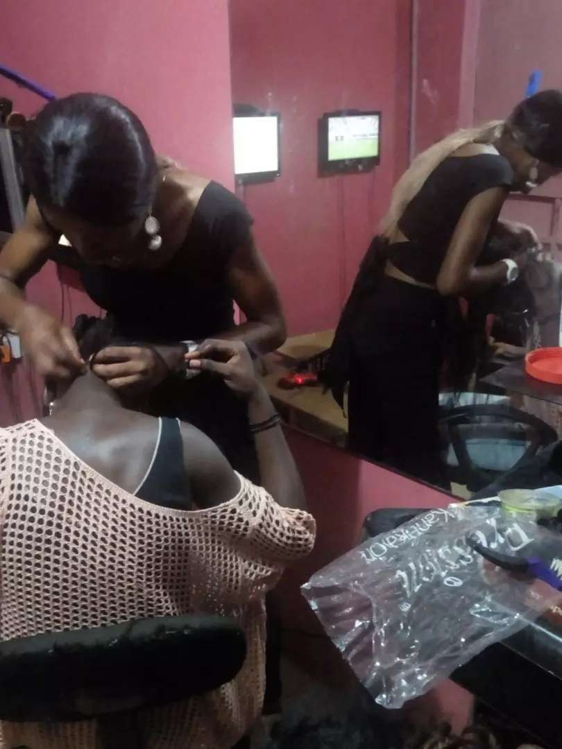 Hair Stylist Wanted (Accommodation Available) 0