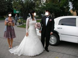 Suknia ślubna typu Sandalo