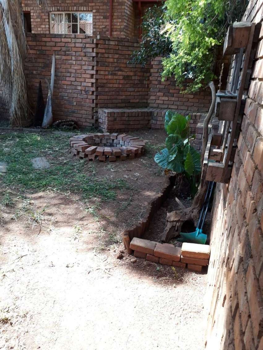 Neat townhouse in Centurion to let