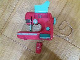 Швейна машинка від Mattel (Barbie)