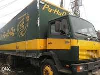 Tokunbo 1317 Mercedes Benz truck with container body 0