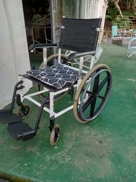 Solid heavy duty wheelchair. Mint condition