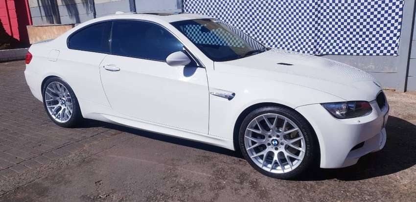2011 bmw m3 mdct e92 coupe with low km and sunroof R3690 0