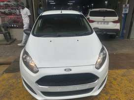 FORD FIESTA FOR SALE AT VERY GOOD PRICE MANUAL