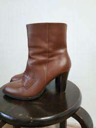 Ботинки, сапожки на каблуке, кожа 38 р