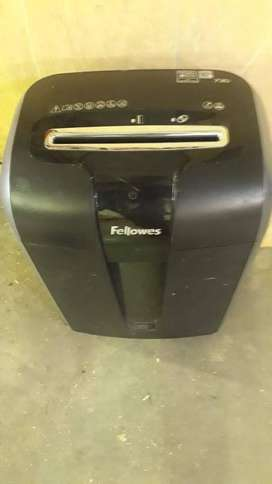 Second hand Fellowes 73CI schredder