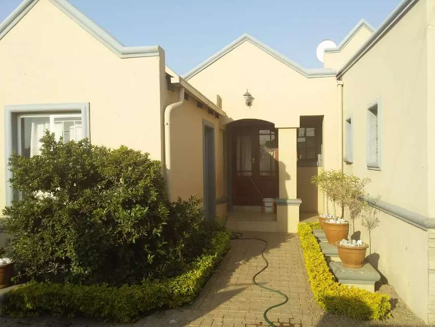3 bed 2 bath 2 toilets  house block x soshanguve pretoria 0