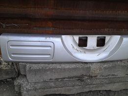 Продам пластиковую накладку на заднюю дверь